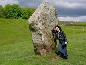 Sonik with stone